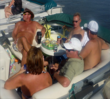 E-16 2013 PontoonTieUp_Chillin